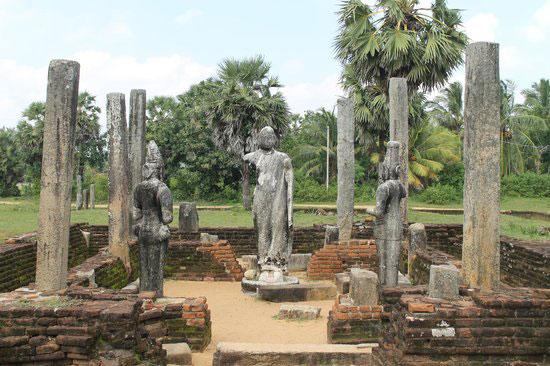 Ampara - Muhudumaha wiharaya